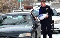 В США полицейские дарят водителям индейку вместо штрафа