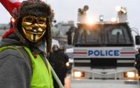 Власти Франции намерены вести себя более жестко по отношению к протестующим