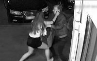 Попытка изнасилования несовершеннолетней попало на видео