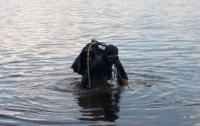 В Киеве из озера достали тело мужчины