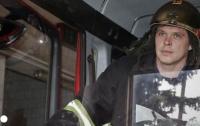 В Киеве пожарные спасли маленькую девочку