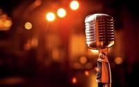 Популярный певец погиб в авиакатастрофе по пути на день рождения своей девушки