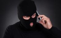 Старые схемы телефонных аферистов до сих пор работают с доверчивыми людьми