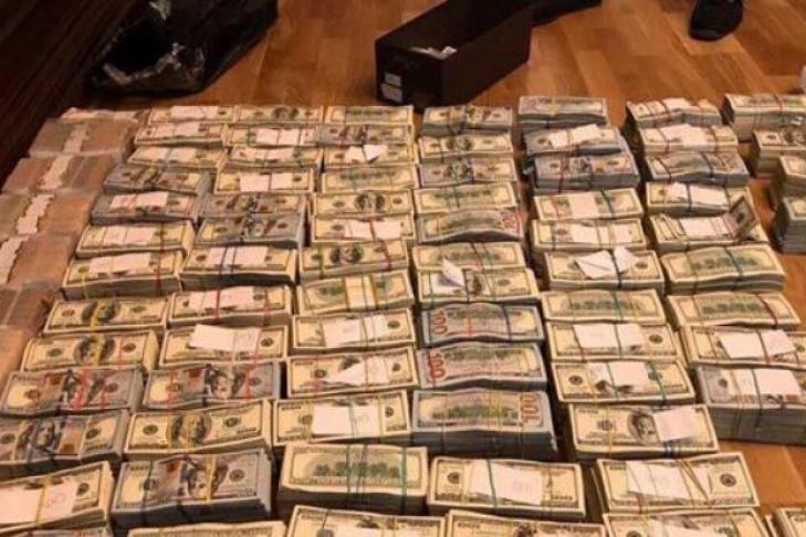 Уэкс-главы луганской налоговой отыскали миллионы долларов