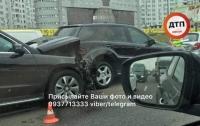 Масштабное ДТП в Киеве: разбиты пять автомобилей