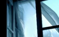 Жительница Ривне выпрыгнула из окна 5 этажа