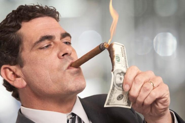 сотрудники службы как поднимались богатые люди это