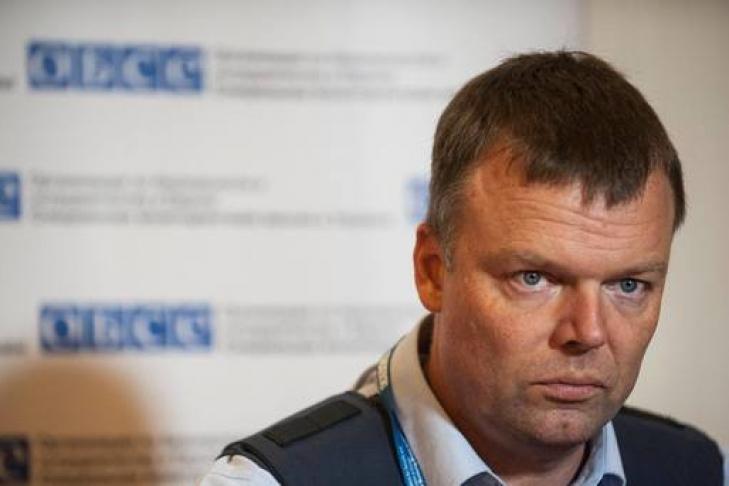 Украинские каратели подбили медицинский автомобиль— ЛНР