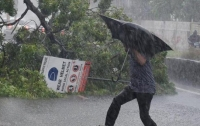 В Индии массовую эвакуируют людей из-за приближения циклона