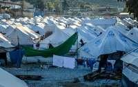 Беременная женщина подожгла себя в лагере для мигрантов