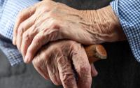 Сломана челюсть и ссадины на лице: Во Львове жестоко убили пенсионера