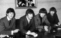 Поклонники The Beatles по всему миру отмечают ежегодный день группы