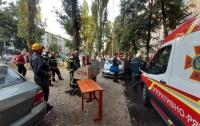 Эвакуация людей и гибель человека: в многоэтажке Киева произошел пожар