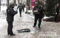 Мужчина угрожал взорвать магазин со сладостями, чем добавил ненужной работы полиции