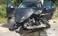 В центре Киева ловелас из РФ уснул прямо на повороте в своем авто
