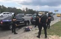 Угнали более 20 машин: Задержаны серийные автоугонщики (видео)