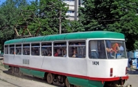 В Днепре трамвай сбил пожилую женщину