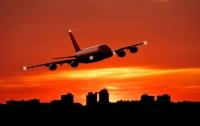Скворец прилетел с пассажирами из Сингапура в Лондон