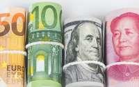Украинцам разрешили покупать наличную валюту и золото за безнал