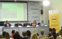 Более 30 тысяч украинских детей имеют статус пострадавших от военных действий