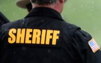 Шериф переименовал тюрьму в отель и повесил неоновую вывеску