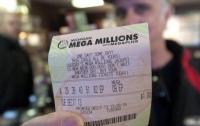 В США продавец вернул клиенту забытый лотерейный билет с миллионным выигрышем