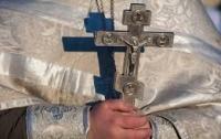 Прихожане выгнали промосковского попа из церкви (видео)