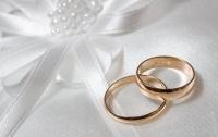 Два одинаковых китайца женились на двух одинаковых китаянках (видео)
