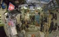 Астронавты МКС продолжают поиск места утечки воздуха