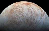 На спутнике Юпитера нашли океан с живыми организмами
