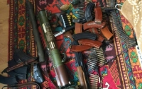 Под Киевом полиция нашла в квартире склад боеприпасов