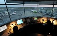 Унесенный ветром: на Мальте самолет сдуло с места стоянки