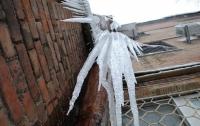 В Полтаве льдиной с крыши убило женщину