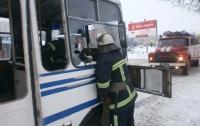 На Черкасщине загорелся автобус с 40 пассажирами (ВИДЕО)