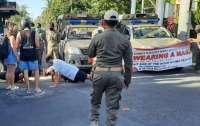 На Бали оригинально наказывают туристов за нарушение карантина (видео)