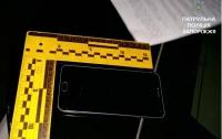 У жительницы Запорожья стащили телефон во время съемки драки