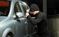 Угнать за 60 секунд: в Британии воры украли Mercedes (видео)
