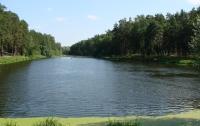 Спасатели вытащили из озера на Львовщине тело утопленника