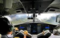 Пилот крупной авиалинии потерял сознание во время полета