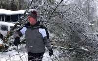 Ледяная буря обрушилась на США: тысячи людей остались без электричества