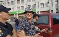 Одесский блогер перерезал себе горло во время суда (видео)
