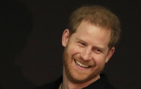 Принц Гарри порадовал публику своим появлением после родов жены (фото)