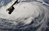 Из-за приближения урагана