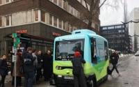 Беспилотные автобусы начали перевозить пассажиров