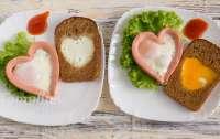Диетологи рассказали, какими завтраками не стоит кормить детей