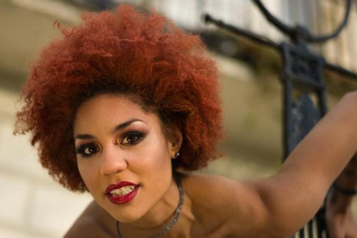 Эстрадная певица обвинила экс-сотрудника штаба Трампа вдомогательствах