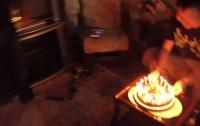 Иранки загорелись от праздничного торта (видео)