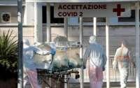 В Италии умерших от коронавируса хоронит армия