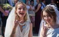 В Харькове две девушки