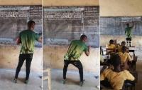 В Гане учитель преподавал информатику, рисуя
